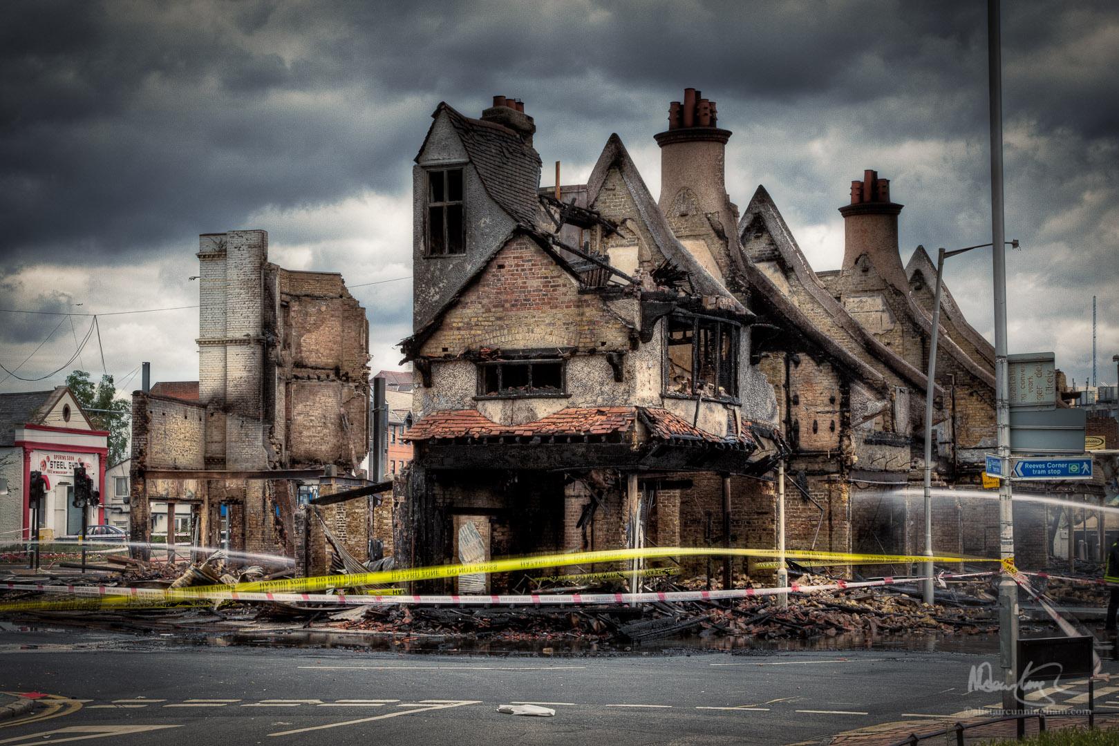 Reeves Corner Fire in Croydon (1)