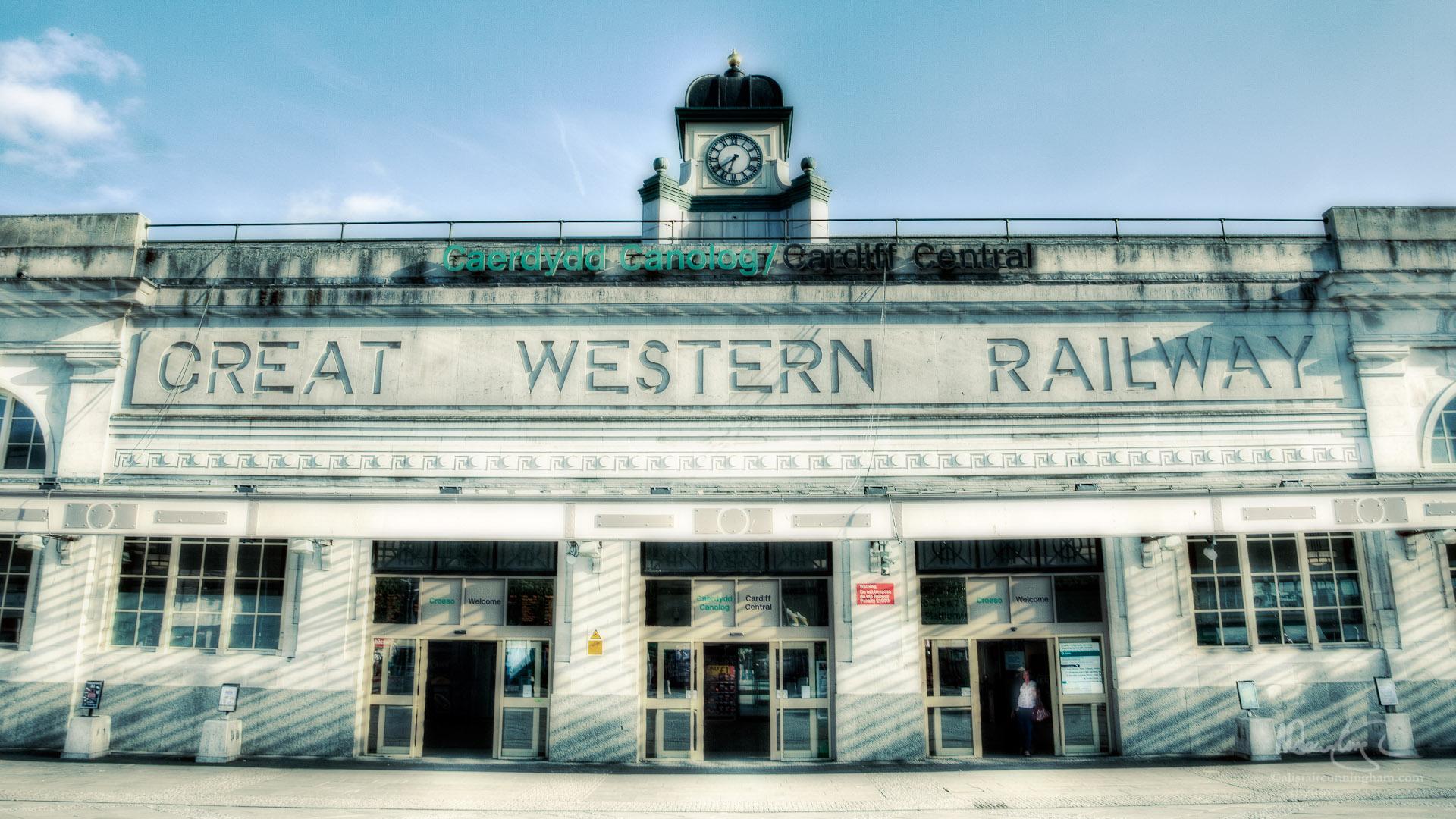 Caerdydd Canolog / Cardiff Central