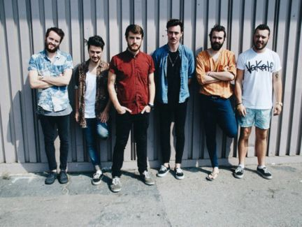 Hands Like Houses pictures