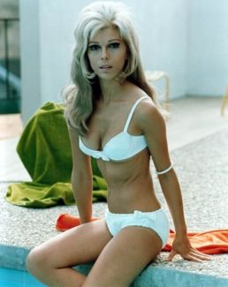 Nancy Sinatra pictures