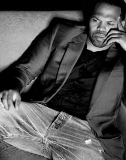 Eric Roberson pictures