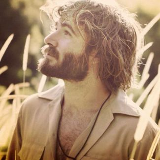 Angus Stone pictures