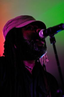 Alvin Youngblood Hart pictures