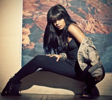 Fefe Dobson pictures