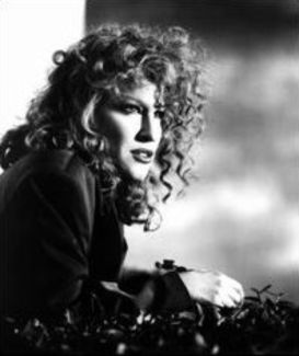 Bette Midler pictures