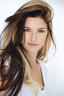 Cassadee Pope pictures