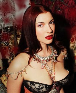 Chrysta Bell pictures