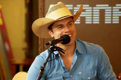 Dustin Lynch pictures