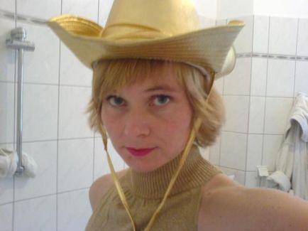 Bernadette La Hengst pictures