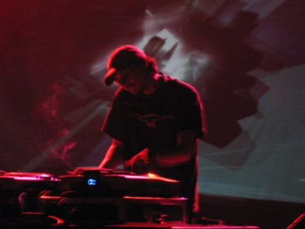 Amon Tobin pictures