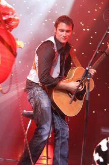 Adam Brand pictures