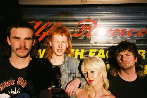 Amyl and the Sniffers pictures