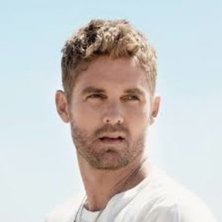 Brett Young pictures