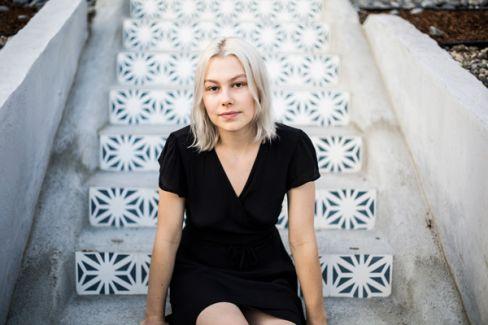 Phoebe Bridgers pictures
