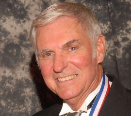 Dick Rutan Speaker Bio