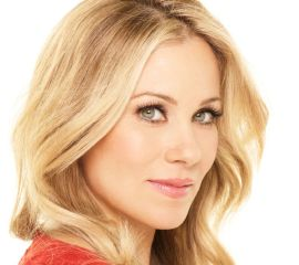 Christina Applegate Speaker Bio