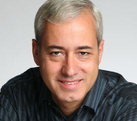 Pedro Domingos Speaker Bio