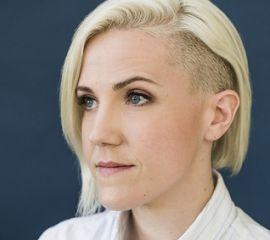 Hannah Hart Speaker Bio