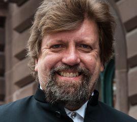 Oskar Eustis Speaker Bio