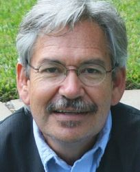 Benjamín Alire Sáenz