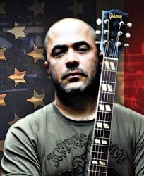 Aaron Lewis of Staind