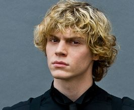 Evan Peters Speaker Agent