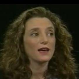 Laura Blumenfeld Headshot