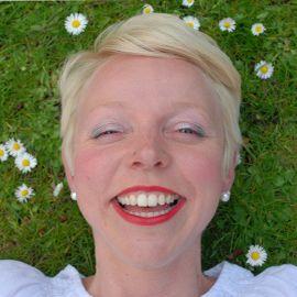 Kirsten van den Hul Headshot