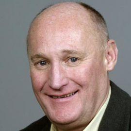 Pete Luckett Headshot