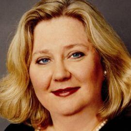 Leslie Bennetts Headshot