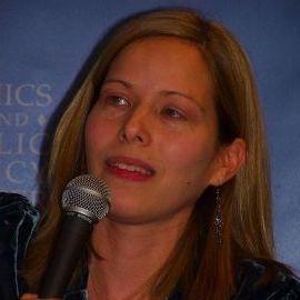 Laura Sessions Stepp Headshot