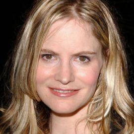 Jennifer Jason Leigh Headshot