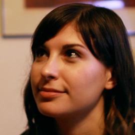 Julia Kaganskiy Headshot