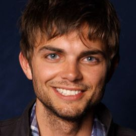 Nick Thune Headshot