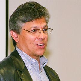 Daniel R. Castro Headshot