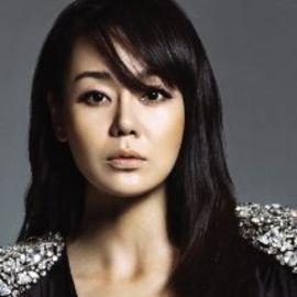Yunjin Kim Headshot