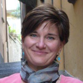 Jennifer Louden Headshot