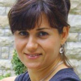 Diana Raleva Headshot