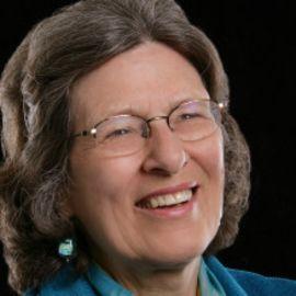 Dorothy Stoneman Headshot