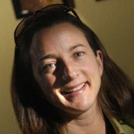 Michelle Theall Headshot
