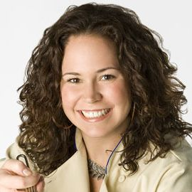 Stephanie Izard Headshot