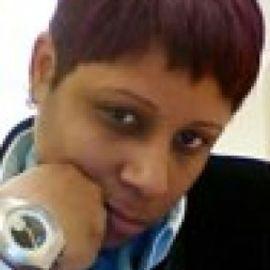 Lynne d Johnson Headshot