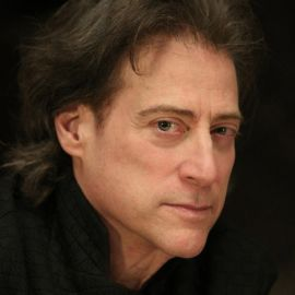 Richard Lewis Headshot