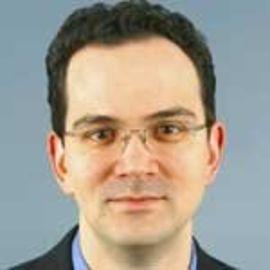 Daniel Zalewski Headshot