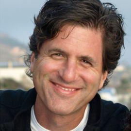 Steve Levitan Headshot