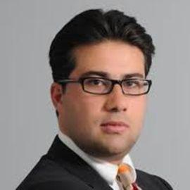 Sasan Sam Shoamanesh Headshot
