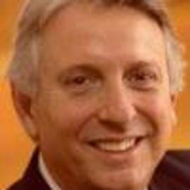 Luis E. Giusti Headshot