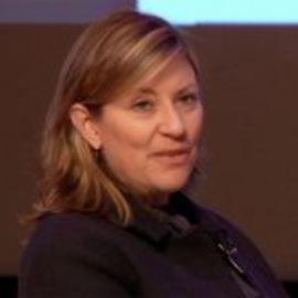 Julie Carlson Headshot