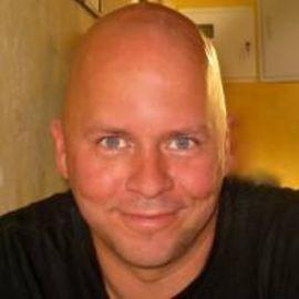 Derek Sivers Headshot