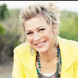Nicole Johnson Headshot